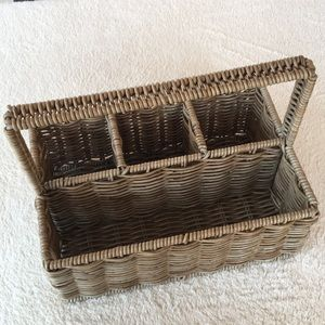 TAN WICKER BASKET STURDY WITH FOUR COMPARTMENTS